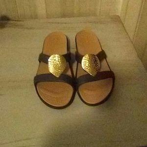 NWOT Crocs sandles